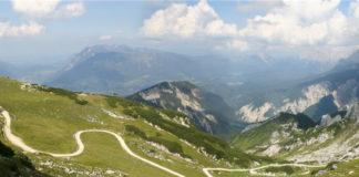 Cesta v horách nad Garmisch-Partenkirchenem