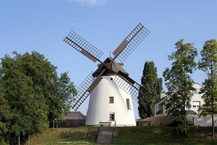 Větrný mlýn v Podersdorfu