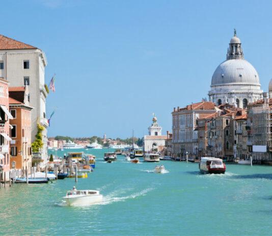 Pohled na kanál v Benátkách