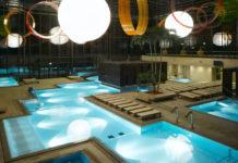 Pohled na bazény v lázních Merano