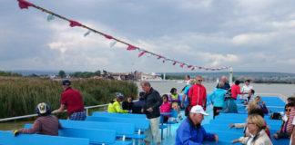 Příjemné posezení na horní palubě trajektu z Mörbische do Illmitzu
