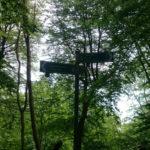 Rozcestník na Koenigsstuhl, do Sassnitz je to odtud 8 kilometrů